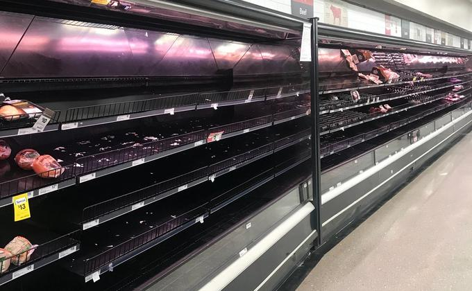 昆州近期出现了恐慌性购买潮。昆州州长Annastaciacia Palaszczuk说,她知道人们感到压力重重,但她认为,人们并不需要储备食物。(圖:看中國)