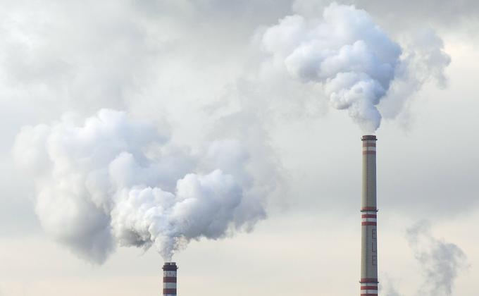 香港南华早报披露,中国政府为挽救经济,计划砸巨资推振兴方案,其中包括大举滥建燃煤电厂。 (图片来源:Pixabay示意图)
