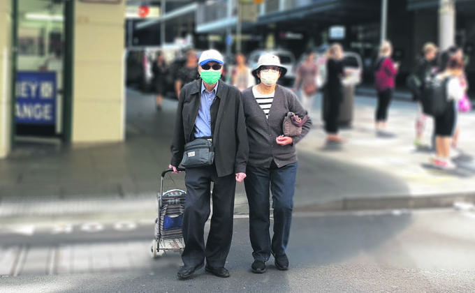 """澳总理在媒体发布会中表示,""""按照原本疫情的发展速度,到今天为止,澳洲感染人数应该超过1万例,但是我们今天是5千多例,这就是防疫的功效。(圖片來源:Cynthia/看中國)"""