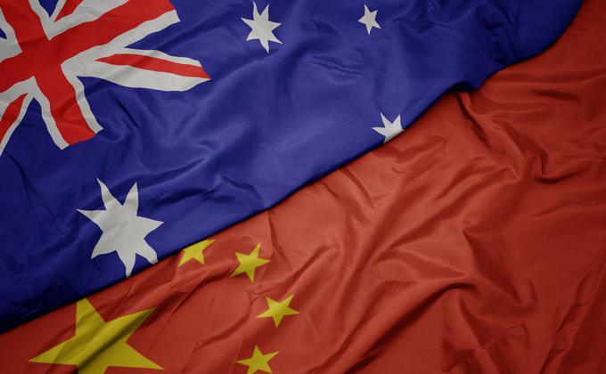 近几年来,澳中关系出现了裂痕,并一路冷却,这是意识形态领域的冲突,两国需要重新修正合作方法与沟通渠道。(图片来源:Adobe Stock)