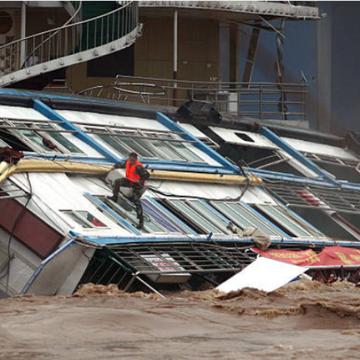 南方地区持续暴雨多地发生洪灾。(图片来源:STR/AFP via Getty Images)