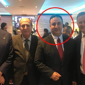 澳媒并没有透露司法当局是否在Shaoquett Moselmane(右二)的家和办公室找到证据,只称其是情报局调查的对象。(圖片來源:Facebook)